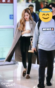 13-BLACKPINK-Rose-Airport-Photo-10-October-2018-From-Japan