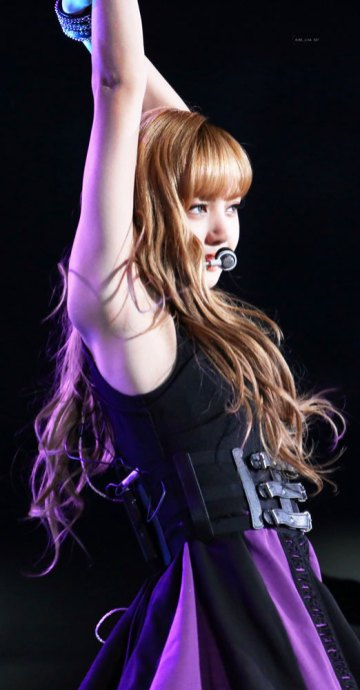 13-HQ-BLACKPINK-Lisa-BBQ-SBS-Super-Concert-2018