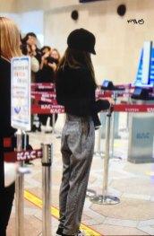 16-BLACKPINK-Jennie-Airport-Photos-9-October-2018-to-Japan
