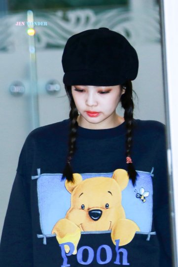 18-BLACKPINK Jennie Airport Photo 10 October 2018 From Japan
