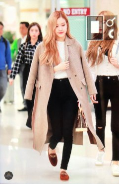 18-BLACKPINK-Rose-Airport-Photo-10-October-2018-From-Japan