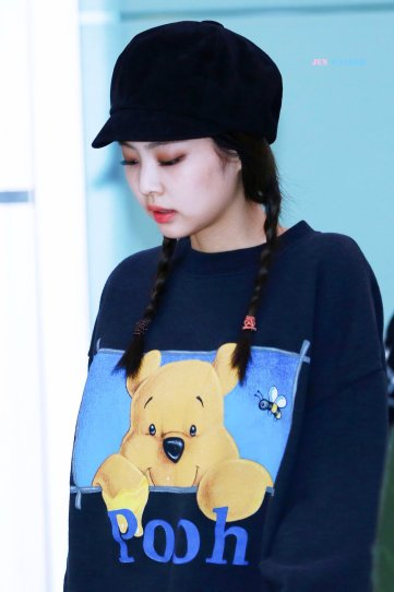 19-BLACKPINK Jennie Airport Photo 10 October 2018 From Japan