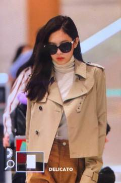 24-BLACKPINK-Jennie-Airport-Photo-4-October-2018-from-Paris