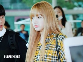 25-BLACKPINK Lisa Airport Photos Incheon 5 October 2018