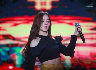 26-HQ-BLACKPINK-Jisoo-BBQ-SBS-Super-Concert-2018