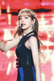 27-HQ-BLACKPINK-Lisa-BBQ-SBS-Super-Concert-2018