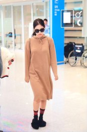 3-BLACKPINK-Jennie-Airport-Photo-Incheon-20-October-2018