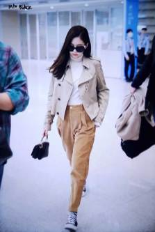 32-BLACKPINK-Jennie-Airport-Photo-4-October-2018-from-Paris