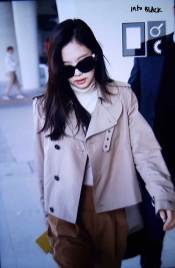 35-BLACKPINK-Jennie-Airport-Photo-4-October-2018-from-Paris