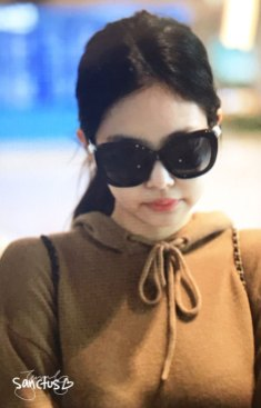 35-BLACKPINK-Jennie-Airport-Photo-Incheon-20-October-2018