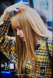 35-BLACKPINK-Lisa-Airport-Photos-Incheon-5-October-2018