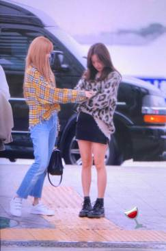 37-BLACKPINK-Lisa-Airport-Photos-Incheon-5-October-2018