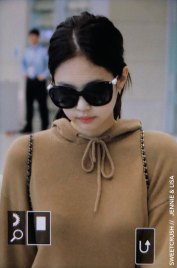 39-BLACKPINK-Jennie-Airport-Photo-Incheon-20-October-2018