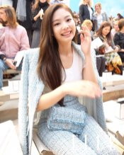 4-BLACKPINK Jennie Chanel Paris Fashion Week Magazine Photos