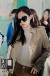 54-BLACKPINK-Jennie-Airport-Photo-4-October-2018-from-Paris