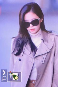 65-BLACKPINK-Jennie-Airport-Photo-4-October-2018-from-Paris