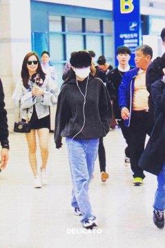 7-BLACKPINK-Jennie-Airport-Photos-Incheon-7-October-2018
