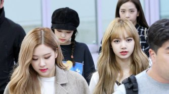 7-BLACKPINK-Lisa-Airport-Photo-10-October-2018-From-Japan