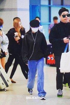 8-BLACKPINK-Jennie-Airport-Photos-Incheon-7-October-2018