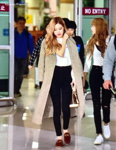 9-BLACKPINK-Rose-Airport-Photo-10-October-2018-From-Japan