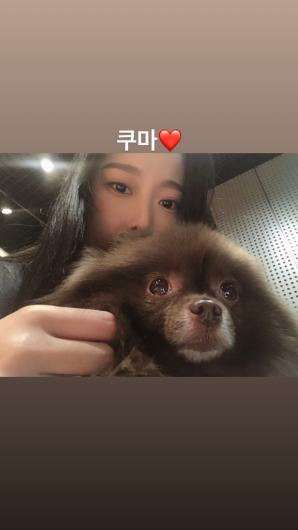 BLACKPINK Jennie Kuma Photo with Gahee YG dancer