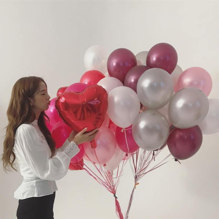1-BLACKPINK Jisoo Instagram Photo 26 November 2018 balloon