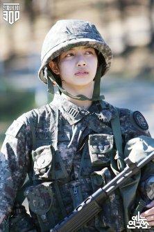 2-BLACKPINK Lisa Real Men 300 MBC Naver Post