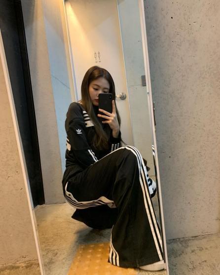 4-BLACKPINK Jennie Instagram Photo 15 November 2018