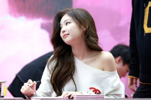 40-BLACKPINK Jennie SOLO Fansign Event 17 November 2018 Coex
