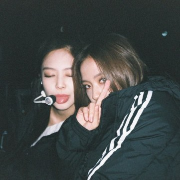 BLACKPINK Jisoo Instagram Photo 12 November 2018 Jennie