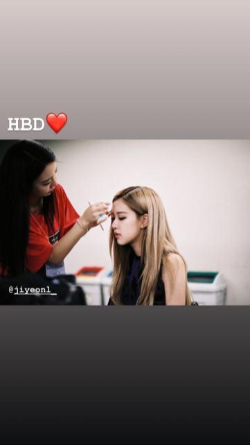 BLACKPINK Rose Instagram Story 31 october 2018 stylist make up artist