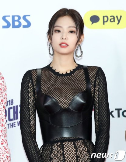 11-BLACKPINK Jennie SBS Gayo Daejun 2018 Red Carpet