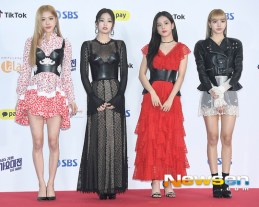 5-BLACKPINK SBS Gayo Daejun 2018 Red Carpet