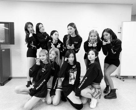 BLACKPINK Rose Instagram Photo Jisoo Jennie Lisa and Crew