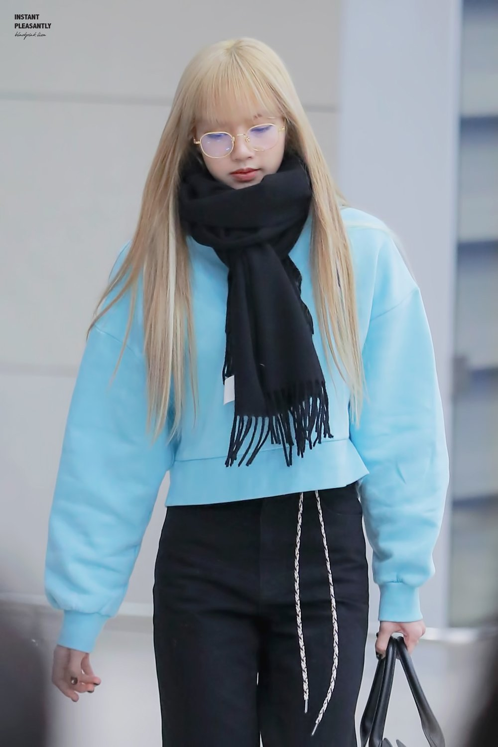 2 BLACKPINK Lisa Airport Photo Incheon From Philippines Fansite