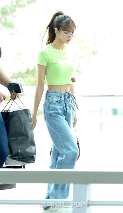 Lisa at Incheon Airport Heading to Thailand for AIS Anniversary Event