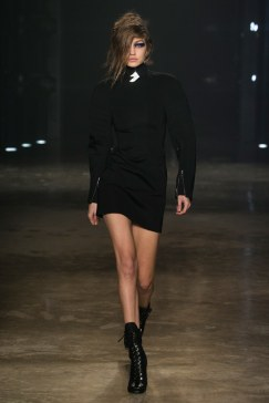 fall-2017-ready-to-wear:versus-versace-