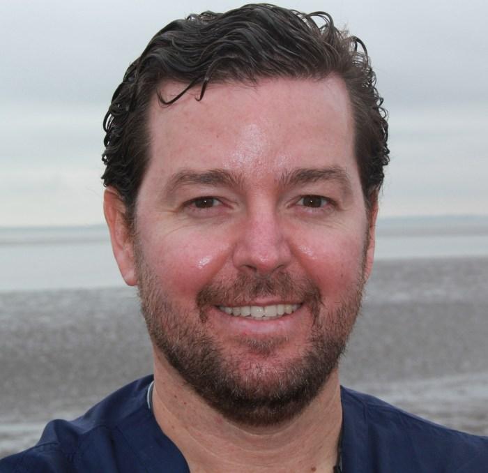 Dr. Gonzalo Lopez-Baillo