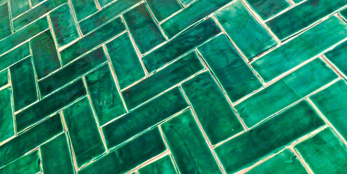 3 x 8 subway tile emerald green