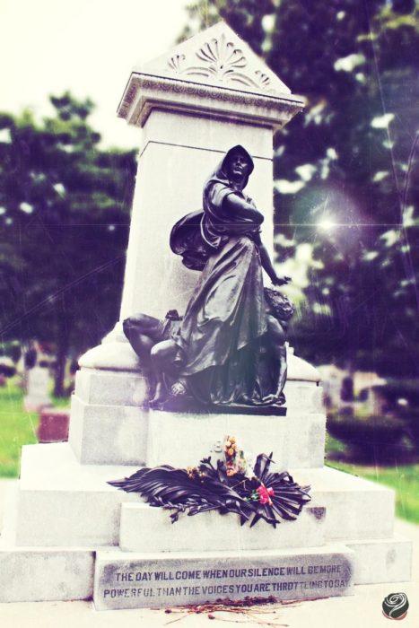 Photo of Haymarket martyrs memorial in Chicago.