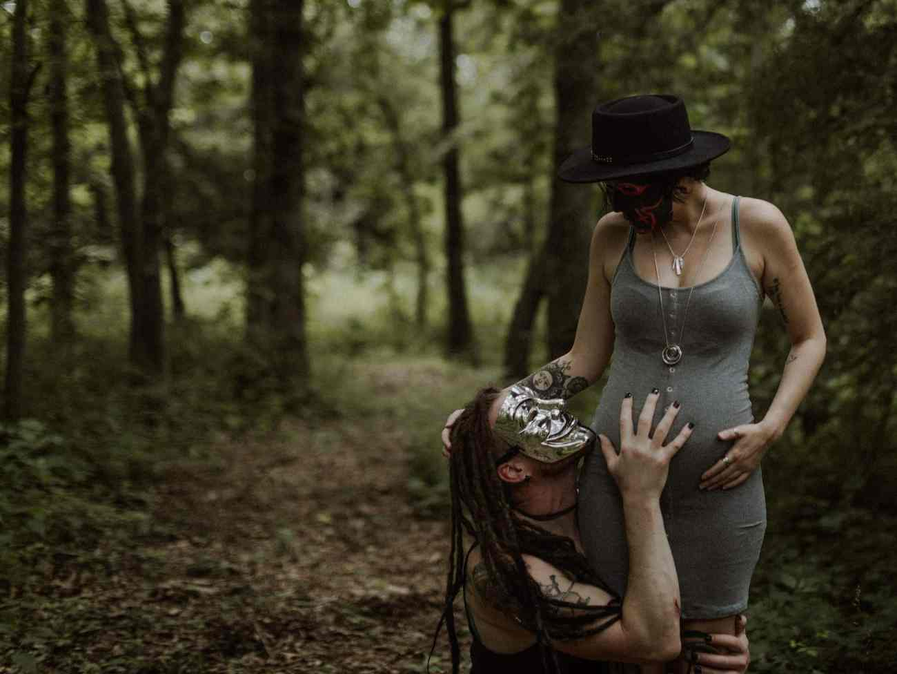 dark and moody maternity session