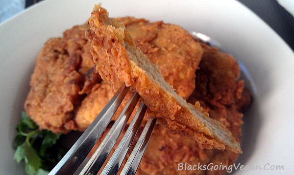 vegan fried chicken - Popeye's Fried Chicken style chicken fried seitan