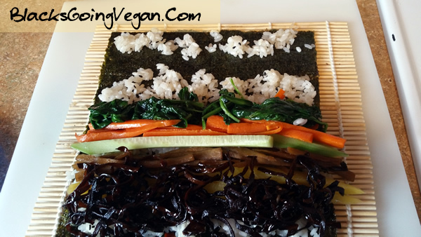rolling your vegan kimbap instructions