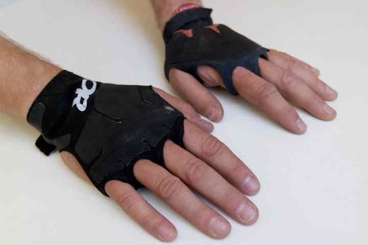 Splitter Crack gloves