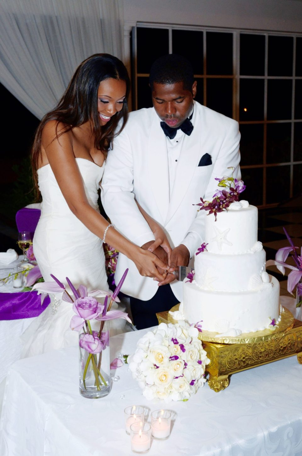Cutting-The-Cake-960x1449 Southern Love in Montego Bay