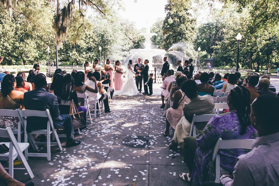 IMG_0931-960x640 Classic Savannah Love Story