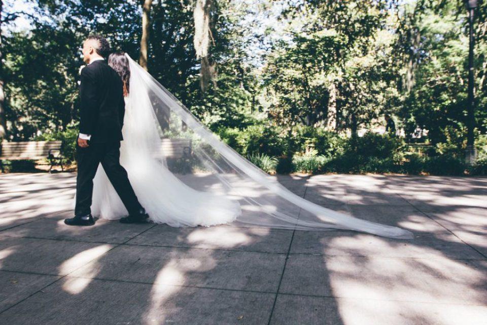 IMG_0965-960x640 Classic Savannah Love Story