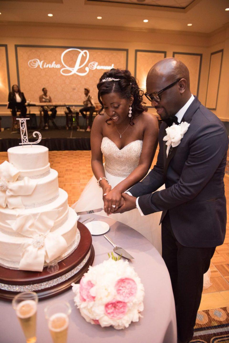 Cake-Cutting-Toasts-5-of-21-960x1438 Classic Charleston Nuptials