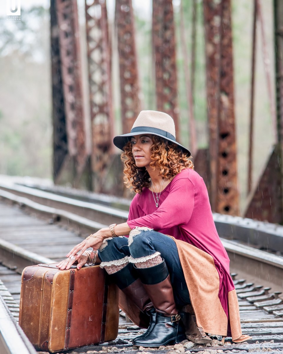 image6-960x1200 Chic Hattiesburg Mother's Railroad Shoot