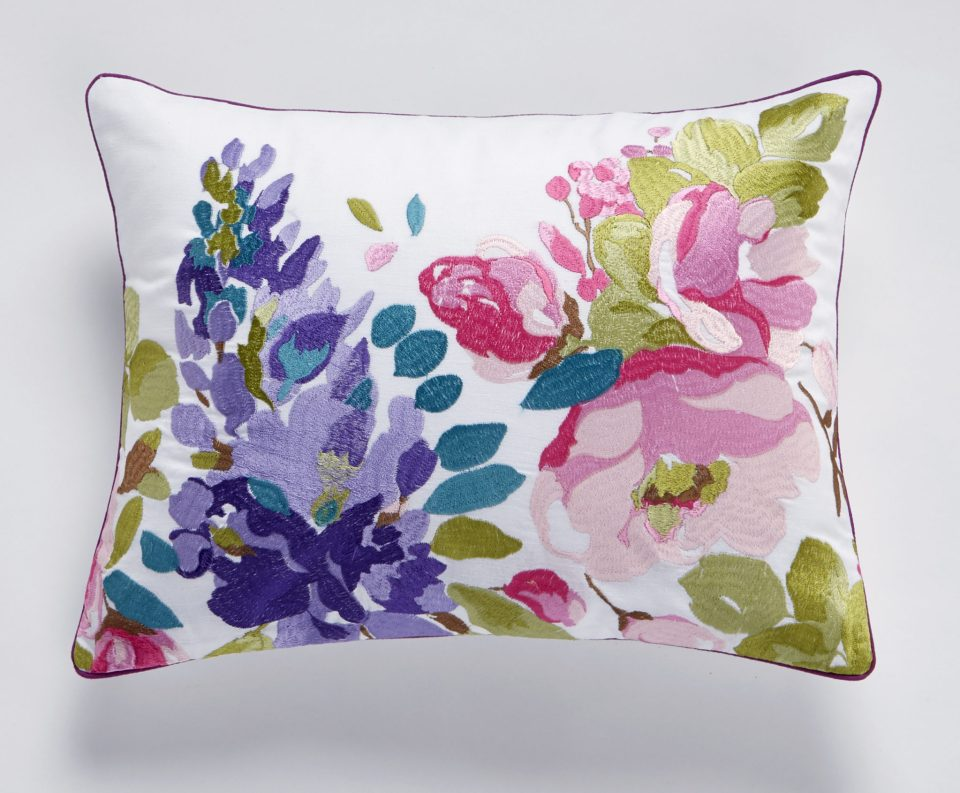 WisteriaEmbroidery_Pillow